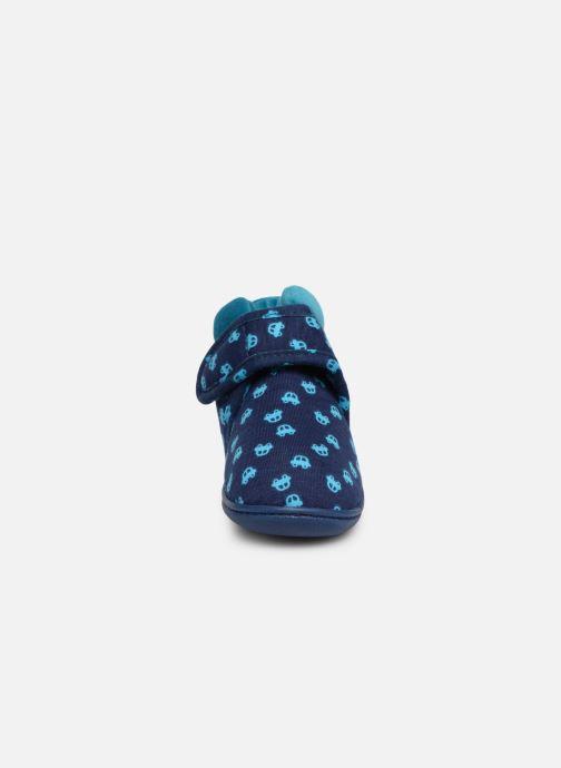 Chaussons Isotoner Botillon Velcro Jersey Bleu vue portées chaussures