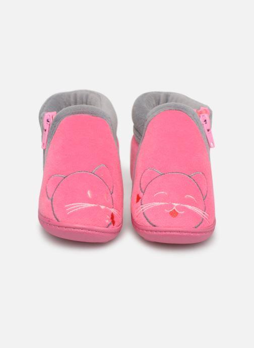 Chaussons Isotoner Botillons Zip Velours 2 Rose vue portées chaussures