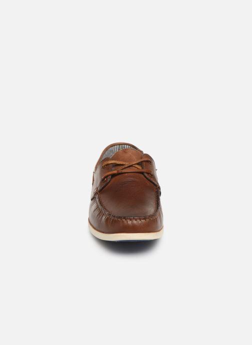Zapatos con cordones Roadsign Green Marrón vista del modelo
