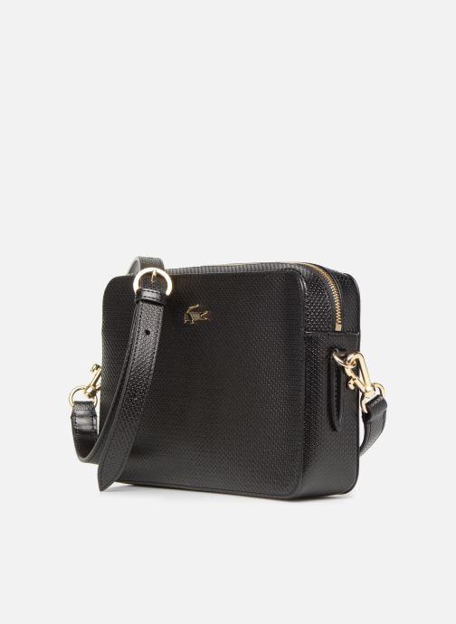 Sacs à main Lacoste CHANTACO CUIR SQUARE CROSSOVER BAG Noir vue portées chaussures