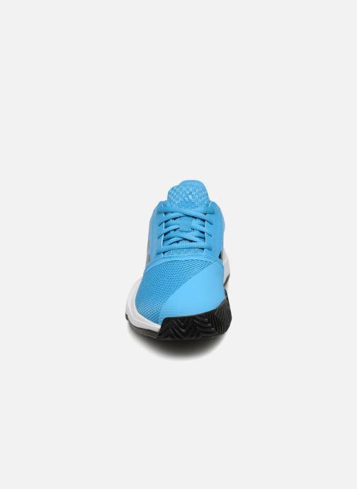 Chaussures de sport adidas performance Courtjam Xj Bleu vue portées chaussures