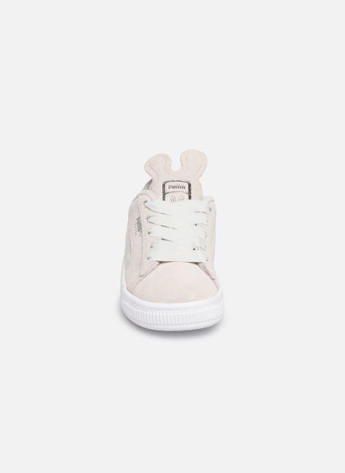 Baskets Puma Suede Easter Gris vue portées chaussures