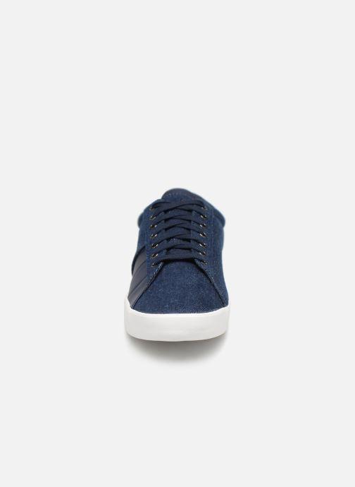 Sneakers Le Coq Sportif Flag Azzurro modello indossato