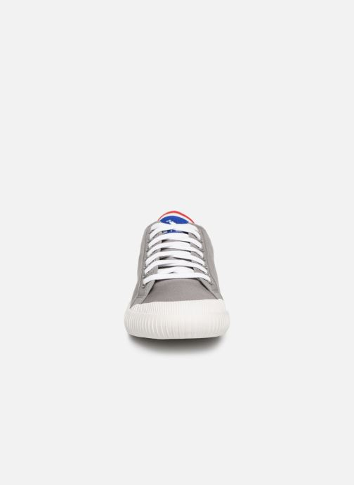 Baskets Le Coq Sportif Nationale Gris vue portées chaussures