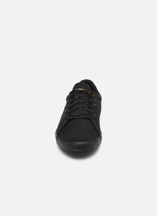 Baskets Le Coq Sportif Agate Noir vue portées chaussures