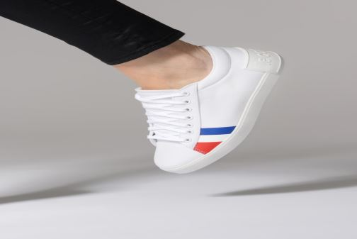 Baskets Le Coq Sportif Flag W Blanc vue bas / vue portée sac