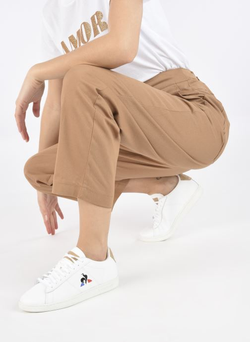 Baskets Le Coq Sportif Courtset W Blanc vue bas / vue portée sac