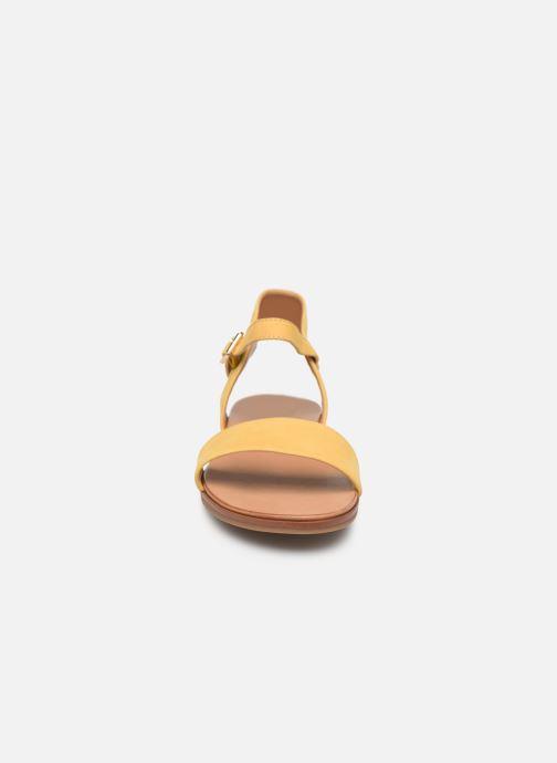 Sandales et nu-pieds Aldo ETERILLAN Jaune vue portées chaussures
