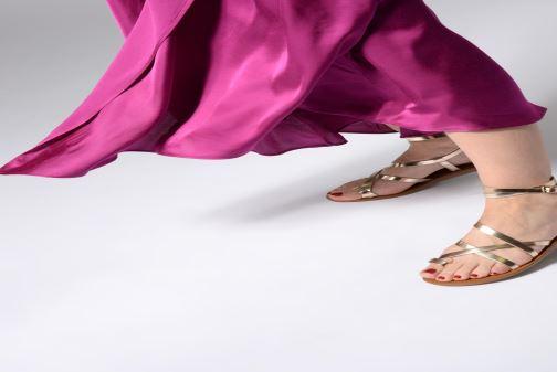 Sandales et nu-pieds Aldo GLUDDA Or et bronze vue bas / vue portée sac