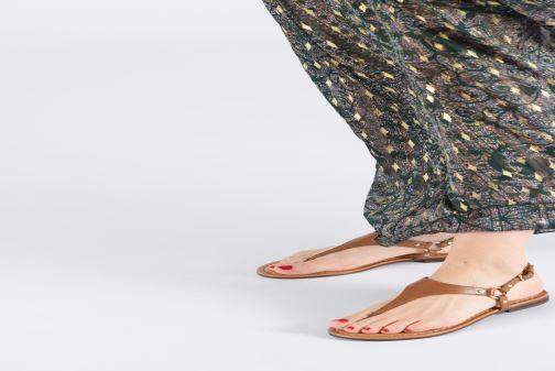 Sandales et nu-pieds Aldo ELUBRYLLA Jaune vue bas / vue portée sac