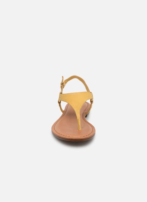 Sandales et nu-pieds Aldo ELUBRYLLA Jaune vue portées chaussures