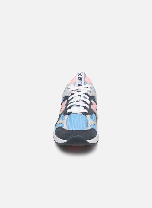 Baskets New Balance WX-90 Bleu vue portées chaussures