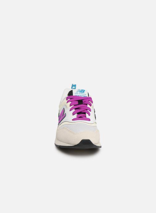 Baskets New Balance W997 Blanc vue portées chaussures