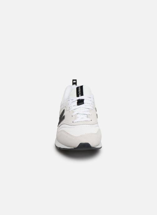 Sneakers New Balance W997 Bianco modello indossato