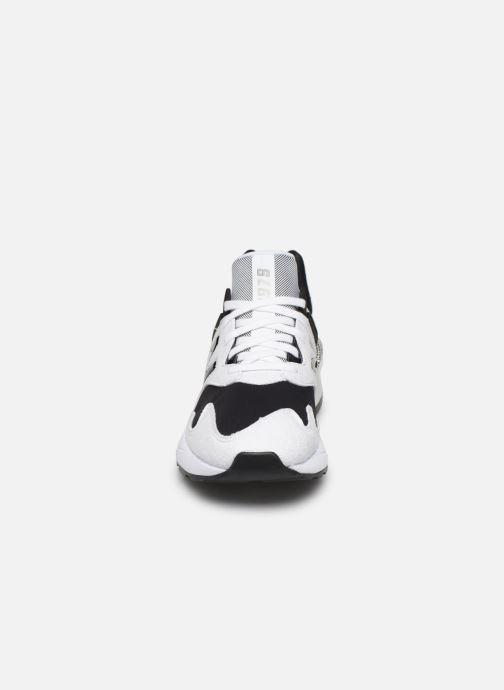 Baskets New Balance W997 - HOLLYSIZ Blanc vue portées chaussures