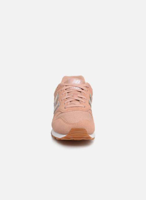 Baskets New Balance W373 Marron vue portées chaussures
