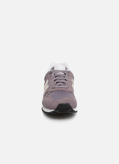 Baskets New Balance W373 Violet vue portées chaussures