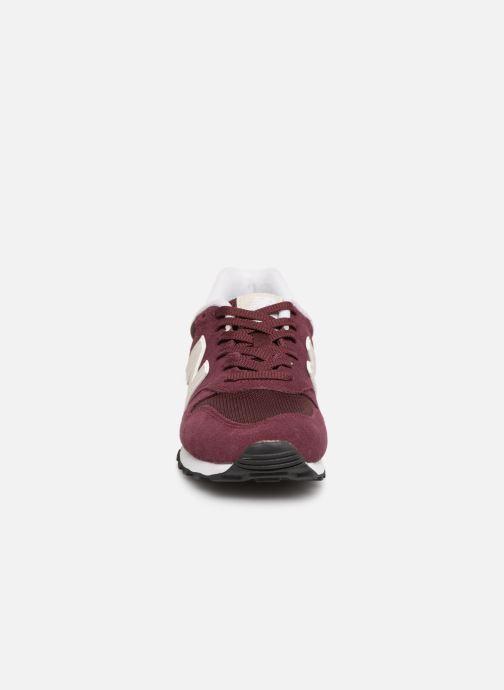 Baskets New Balance W373 Bordeaux vue portées chaussures