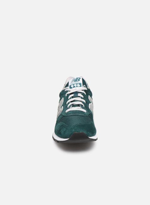 Baskets New Balance 996 Vert vue portées chaussures
