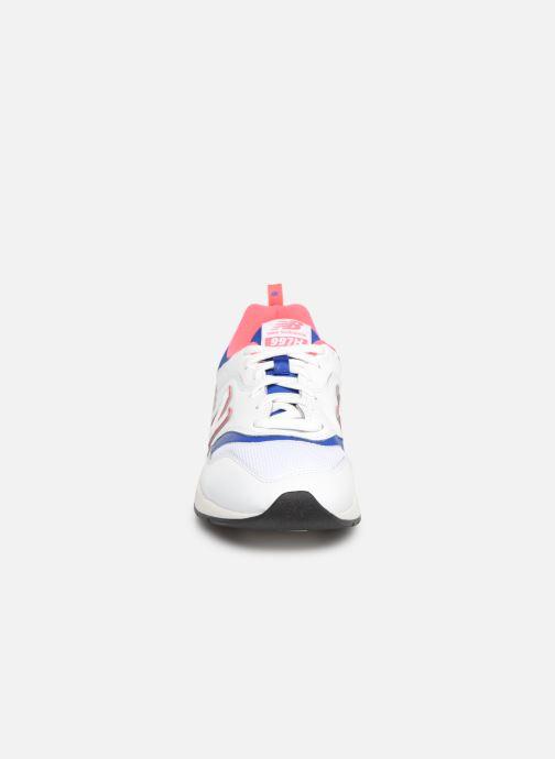 Baskets New Balance 997 Blanc vue portées chaussures