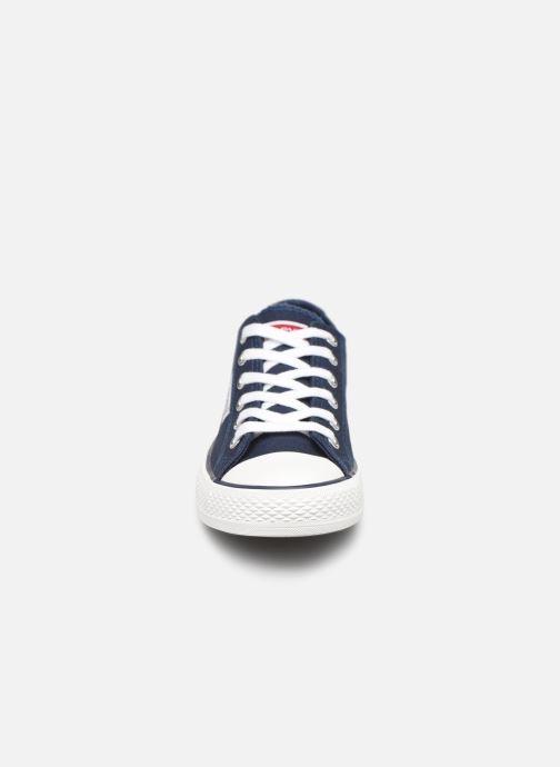 Baskets Levi's Trucker Low Bleu vue portées chaussures