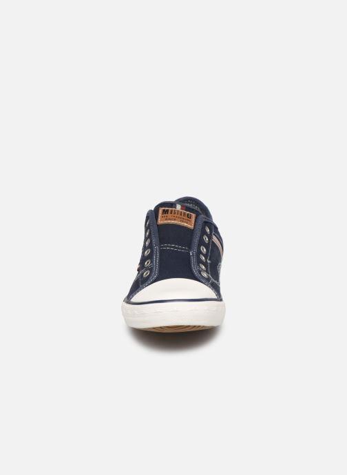 Baskets Mustang shoes Kevin Bleu vue portées chaussures