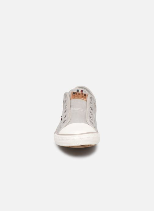 Sneakers Mustang shoes Kevin Grigio modello indossato