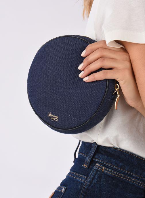 Portemonnaies & Clutches Louvreuse KASIMIR MINI CANVAS WAISTBAG blau ansicht von unten / tasche getragen