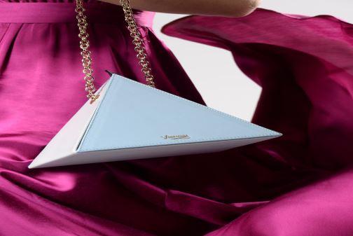 Handtaschen Louvreuse CLEO LEATHER rosa ansicht von unten / tasche getragen