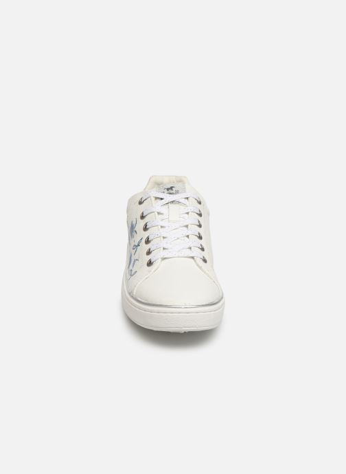 Sneakers Mustang shoes Lyna Bianco modello indossato