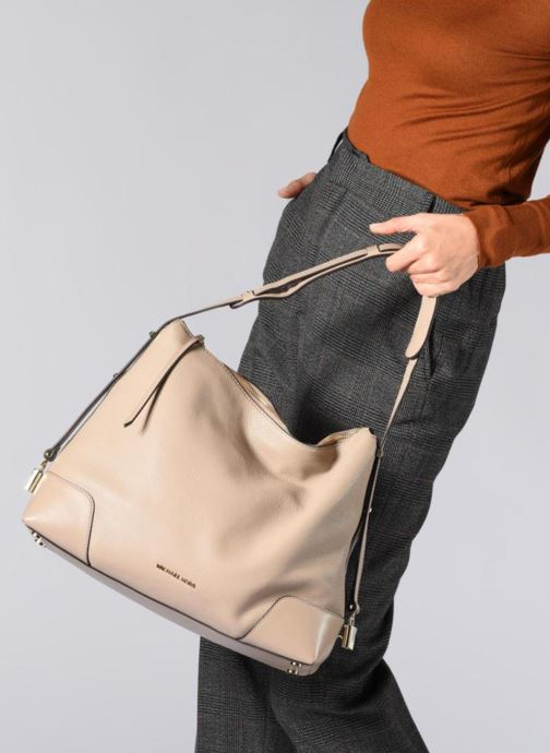 bc874afe2c2e4 Handtaschen Michael Michael Kors Crosby LG Shoulder schwarz ansicht von  unten   tasche getragen