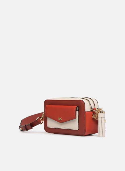 Sacs à main Michael Michael Kors SM Pocket Camera Bag Rouge vue portées chaussures