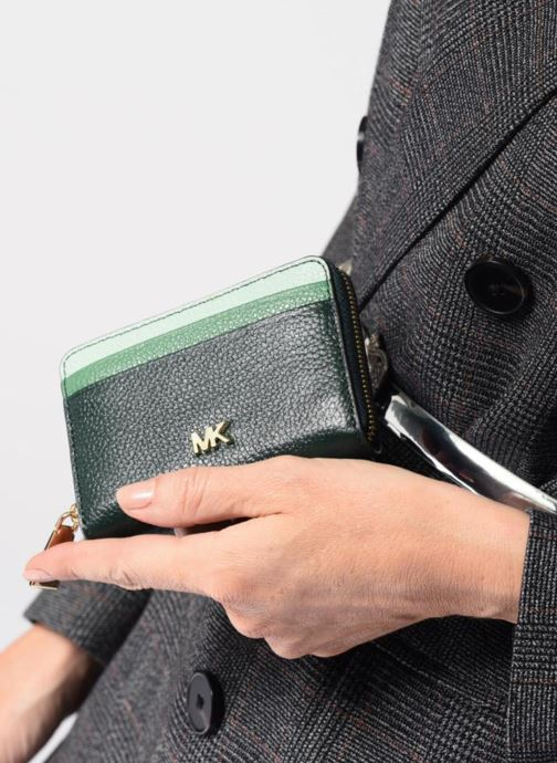 c7045b36 Wallets & cases Michael Michael Kors ZA Coin Card Case Green view from  underneath / model