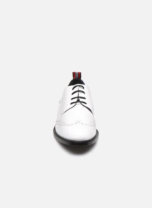 Scarpe con lacci Anaki Twiggy Bianco modello indossato