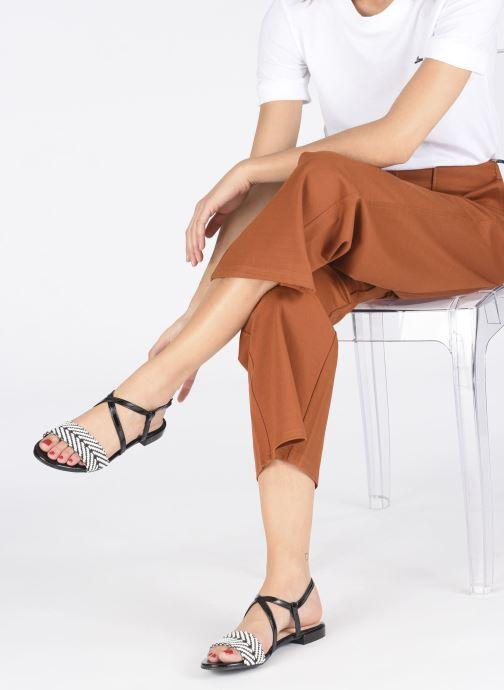 Sandalen I Love Shoes CAITLIN schwarz ansicht von unten / tasche getragen