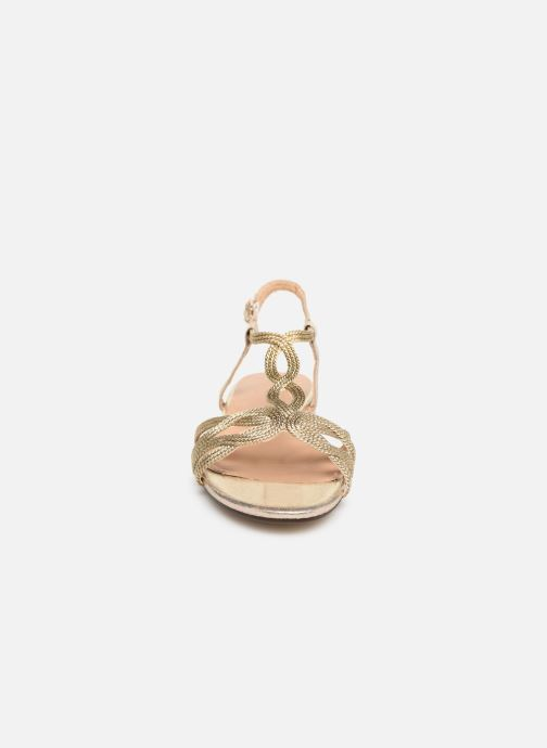 Sandali e scarpe aperte I Love Shoes CALANDRA Oro e bronzo modello indossato