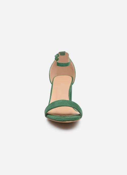 Sandalias I Love Shoes CABBY Verde vista del modelo