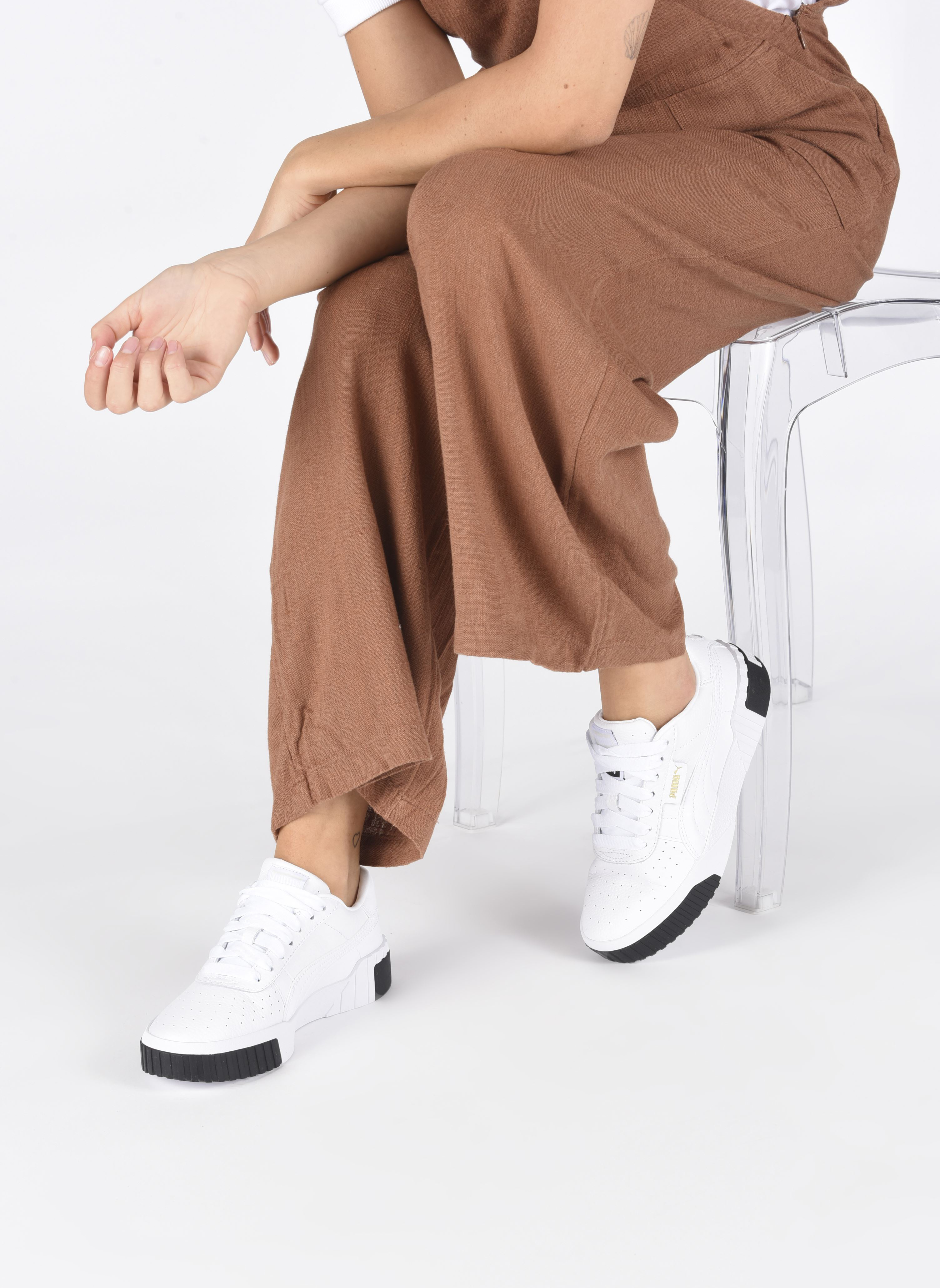 Baskets Puma Cali Wn'S Blanc vue bas / vue portée sac