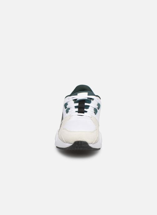 Baskets Puma Zeta Suede Blanc vue portées chaussures