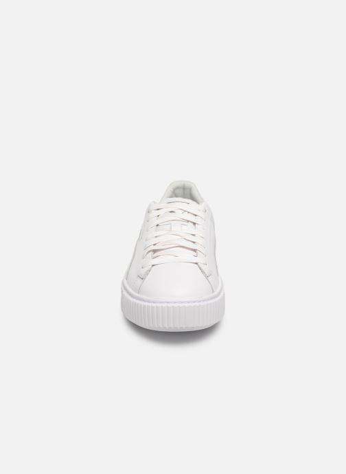 Baskets Puma Basket Platform Opulence Blanc vue portées chaussures
