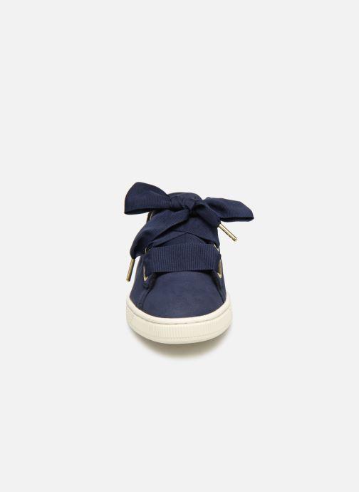 Baskets Puma Basket Heart Soft Bleu vue portées chaussures