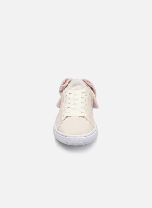 Sneakers Puma Suede Bow Hexamesh Grigio modello indossato