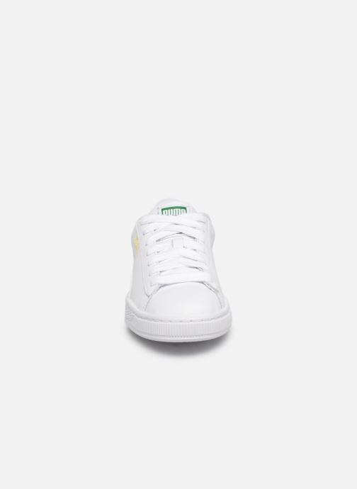 Baskets Puma Basket Classic W Blanc vue portées chaussures