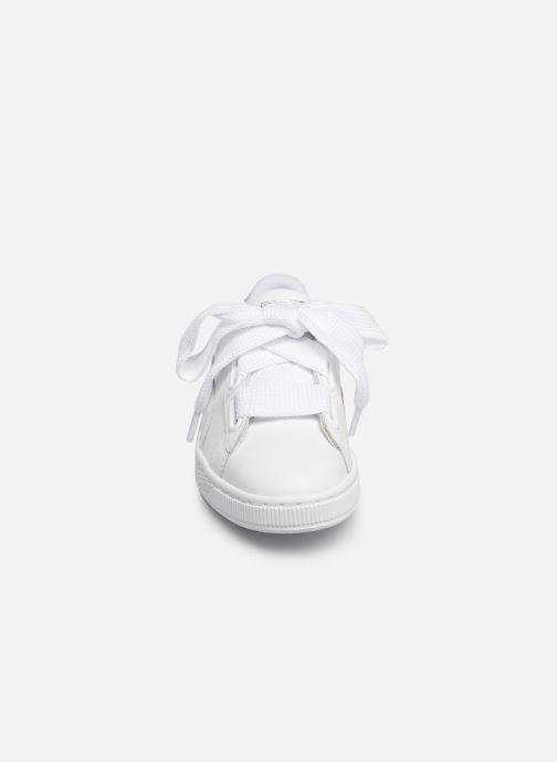Sneakers Puma Basket Heart Bio Hacking Bianco modello indossato