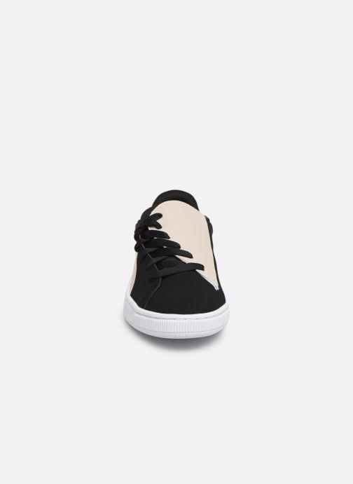 Sneakers Puma Basket Crush Paris Nero modello indossato