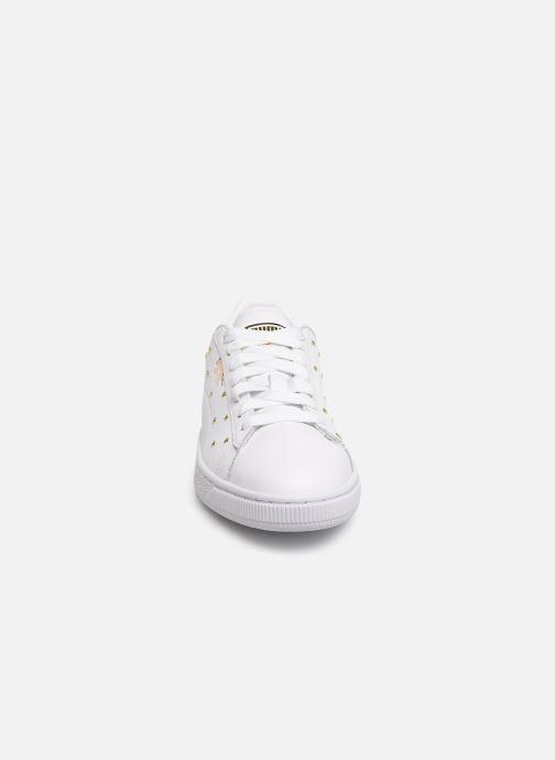 Baskets Puma Basket Studs Blanc vue portées chaussures