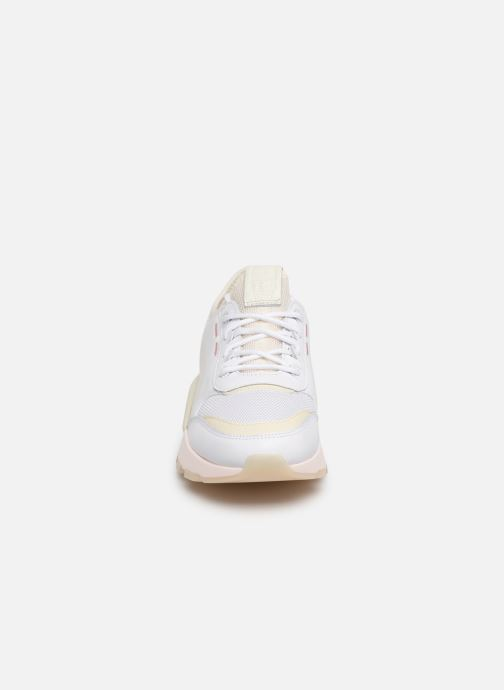 Baskets Puma Rs-0 Tracks Blanc vue portées chaussures