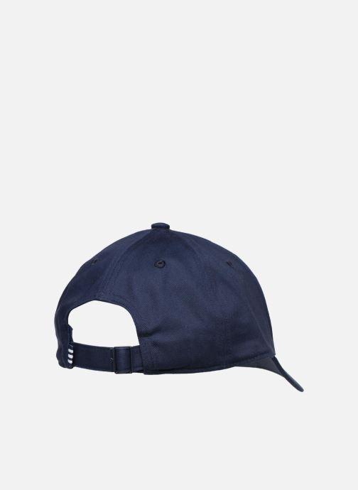 Cappellino adidas originals BASEB CLASS TRE Azzurro modello indossato