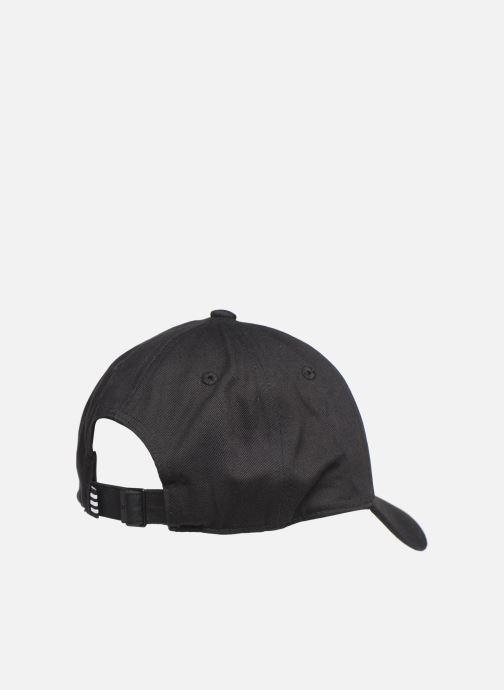 Gorra adidas originals BASEB CLASS TRE Negro vista del modelo