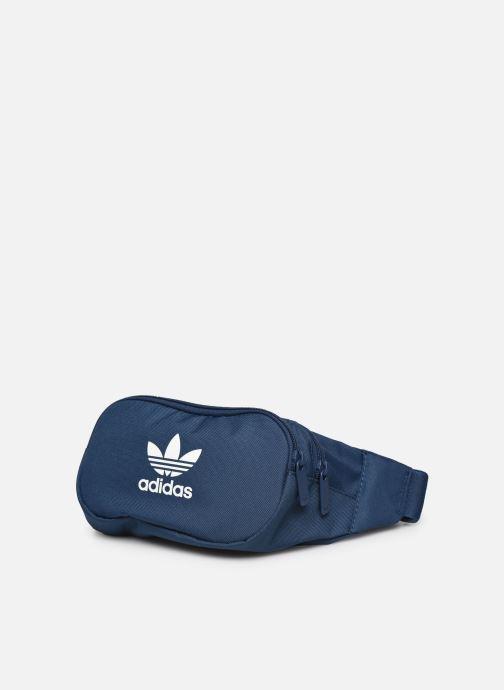 Pelletteria adidas originals ESSENTIAL CBODY Azzurro modello indossato